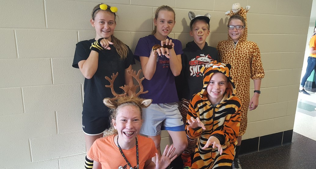 Students getting into Spirt Day