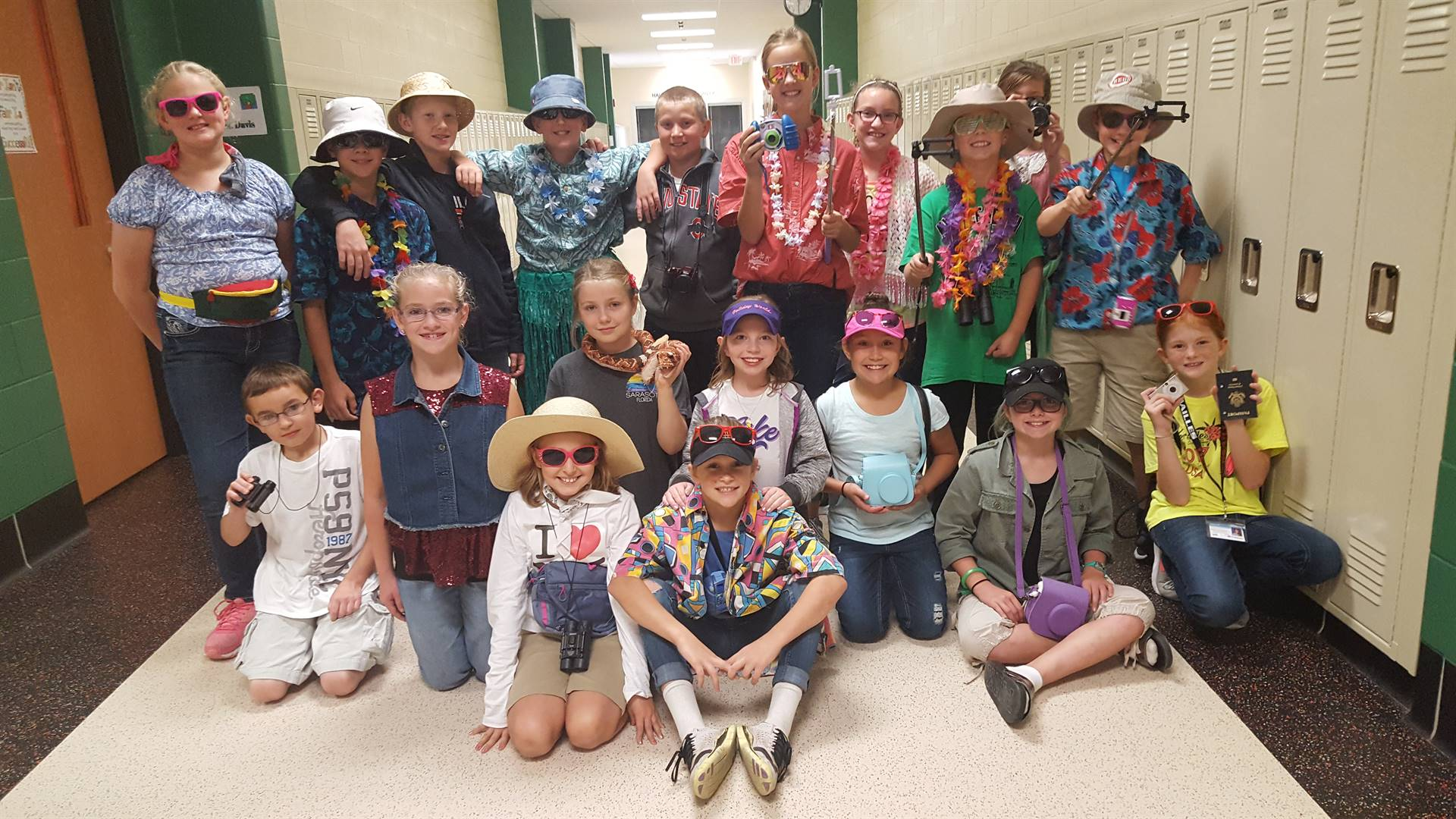 Students dress up as tourists for Spirit Week