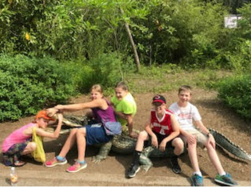 5th grade students at Cincinnati Zoo on crocodile