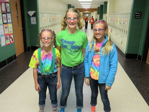 3 really cute nerds for spirit day