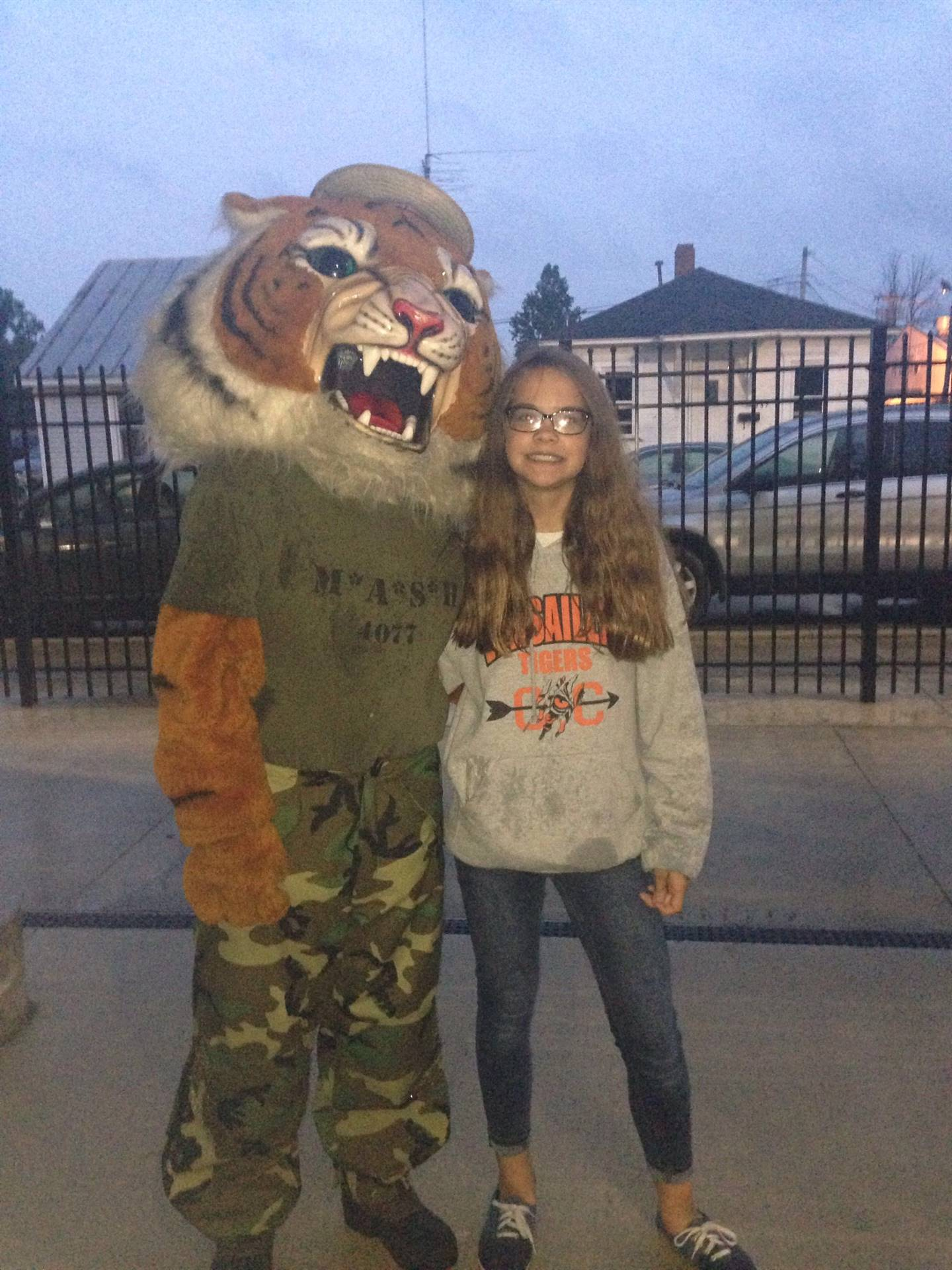 Student with Tiger mascot