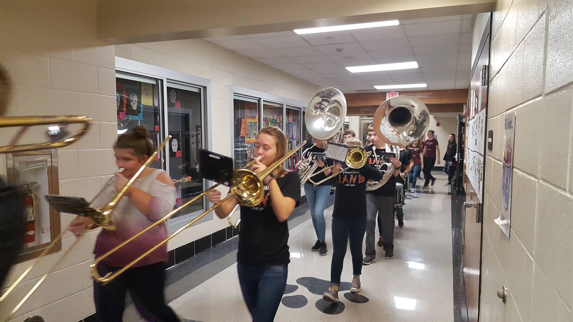 Trombone players during clap thru