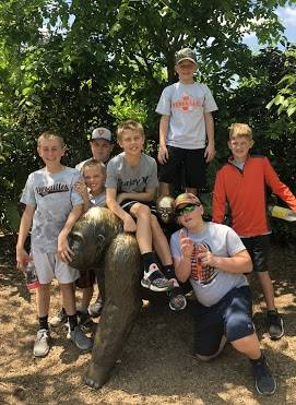 5th grade boys on zoo trip