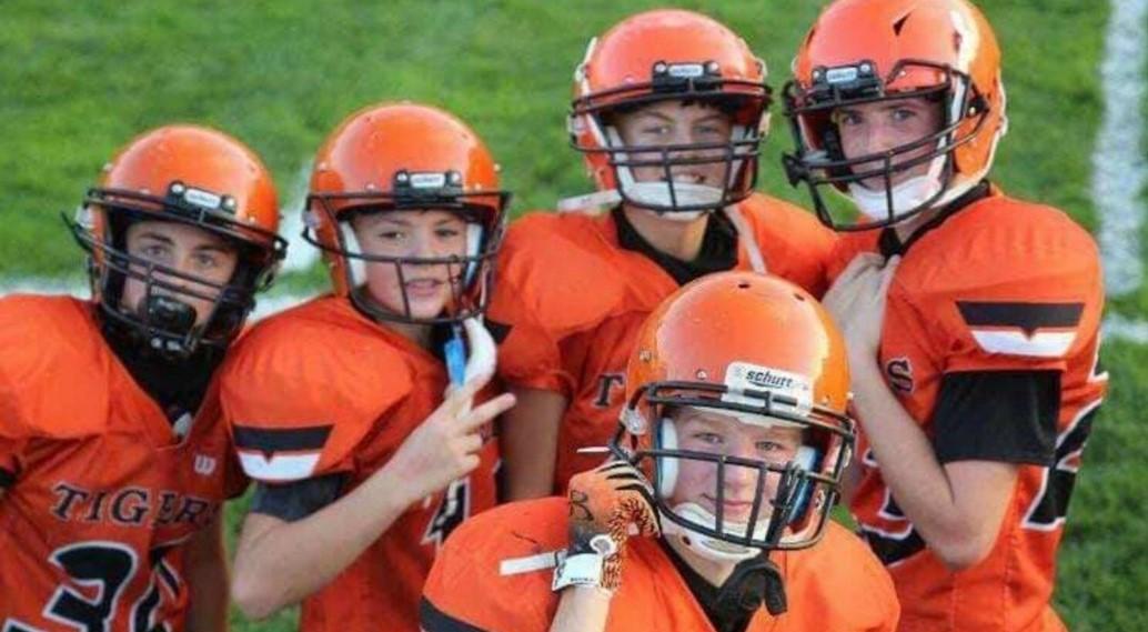 jr. high football players