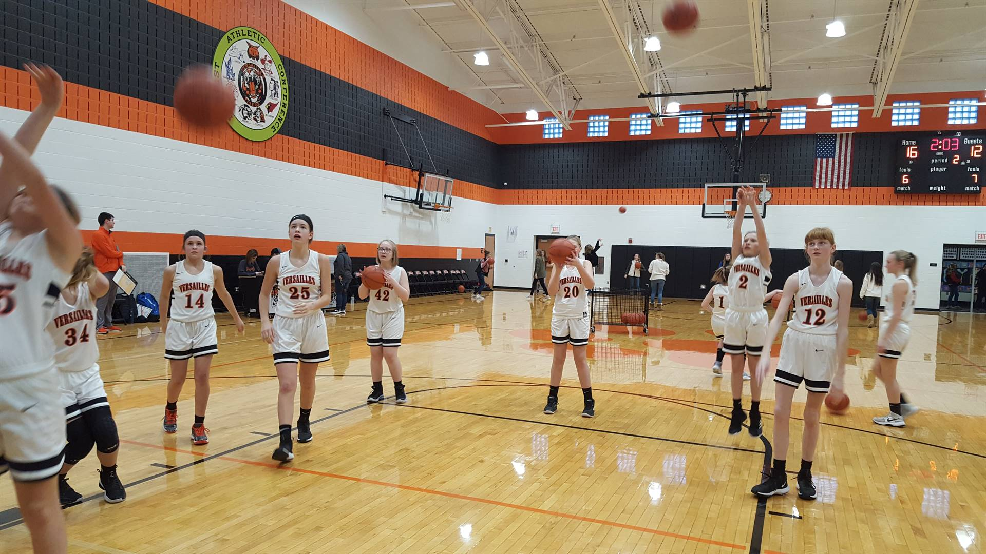 7th Grade Basketball warming up